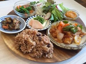 KURASSO Cafe プレートランチ_大豆ミートの酢豚2