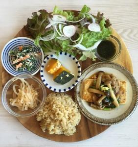 KURASSO Cafe プレートランチ_豆腐ステーキ