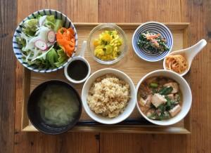 KURASSO Cafe プレート_ピリ辛麻婆豆腐